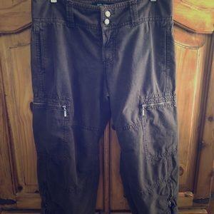 3/$20.00🎉 Billy Blues Cargo Capri Pants